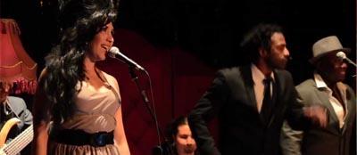 Doble Chilena Amy Winehouse